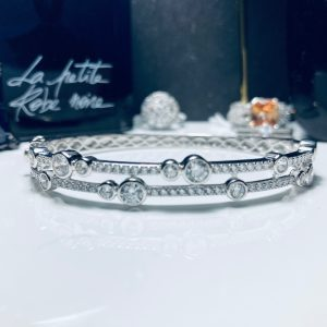 Boodles waterfall Style Silver bangle 1
